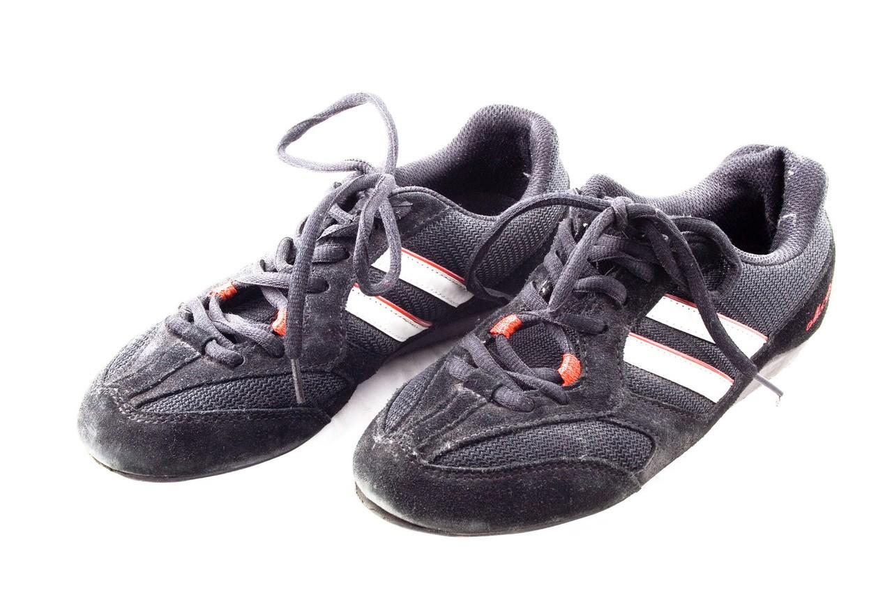 Jak nosić obuwie sportowe?